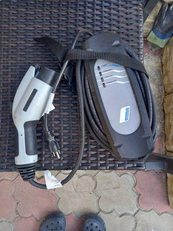 BMW i3 зарядное устройство