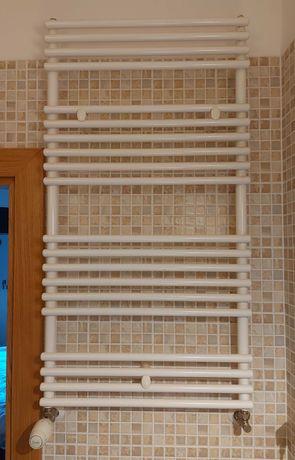 Grzejnik łazienkowy stalowy C.O. z termostatem Danfoss, b. dobry stan