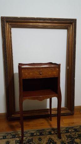 Mesa cabeceira ou apoio antiga
