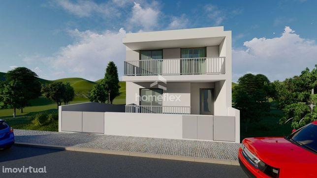 Moradia M4 NOVA, com garagem, em fase de construção!