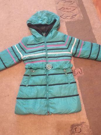 пальто на девочку 6-8 лет.-850руб.+шапка в подарок