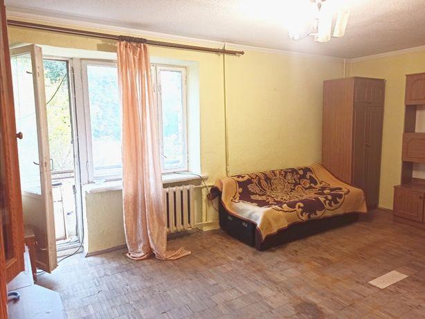 Продається чешка з двома балконами
