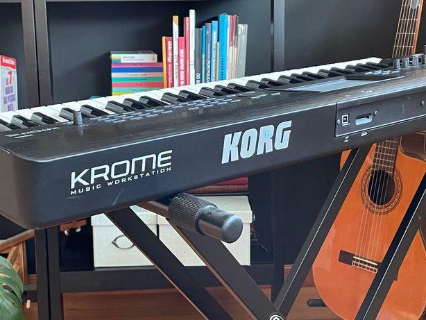 Teclado Korg Krome 61 como novo