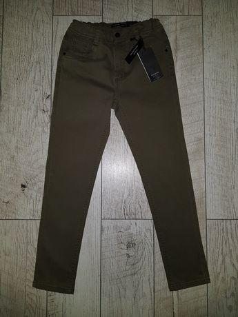 Nowe spodnie Reserved rozm. 140