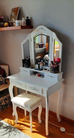 Toaletka kosmetyczna z oświetleniem LED + stołek