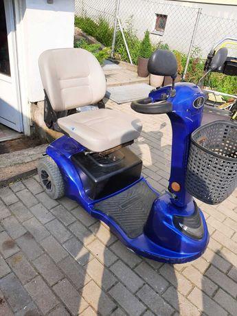 Wózek elektryczny trójkołowy