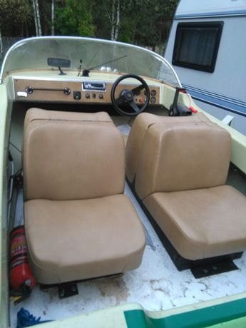 Łódź łódka motorówka