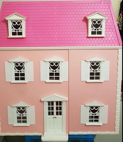 Casa de brincar Hello Kitty com móveis à escala