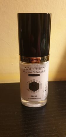 Podklad Max Factor Facefinity kolor 10 Fair Porcelain bardzo jasny!