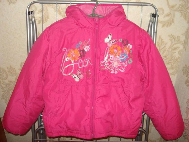Цена снижена!Продам новую куртку Barbie для девочки р. 128 зима-весна
