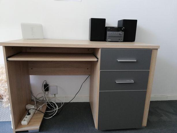Komplet mebli młodzieżowych (biurko wraz z szafkami)