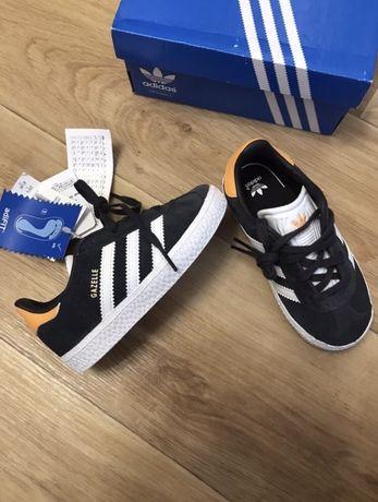 Кроссовки Adidas 16 см