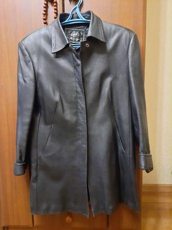 Кожаный пиджак женский удлиненный