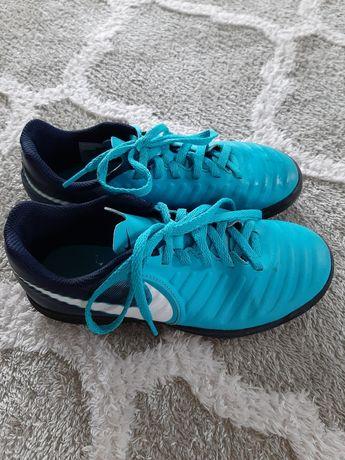 Halówki Nike Tiempox rozm. 34