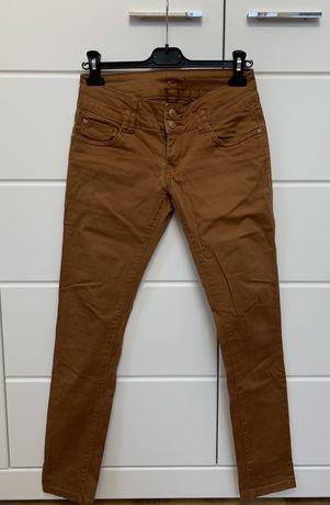 Spodnie damskie w roz. 40