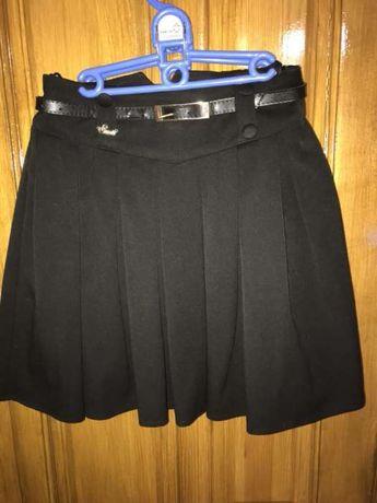 "Продам школьную юбку «Suzie"" чёрного цвета, р.146см."