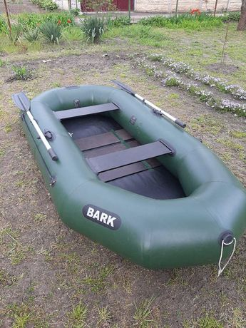 Продаю лодку надувную трехместную БАРК