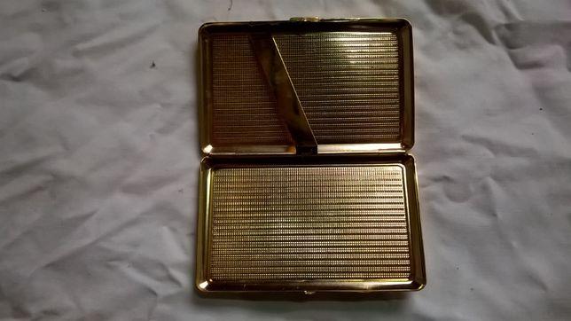 Портсигар золотий