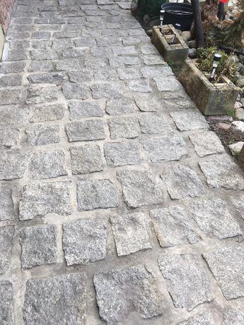 kostka granitowa duza kamien granit