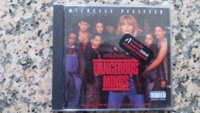 Vendo CD de musica da banda sonora original do filme Dangerous Minds