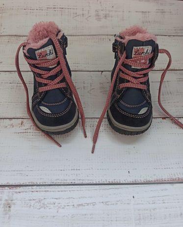 Зимние ботинки на девочку