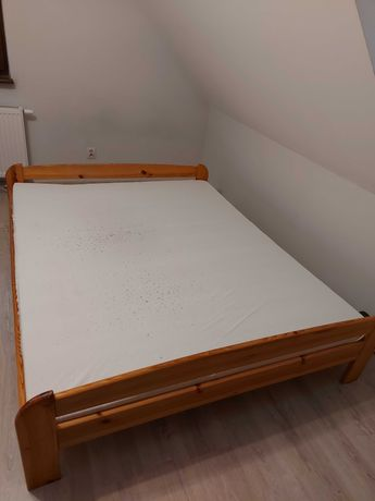 Sprzedam łóżko sosnowe 160x200