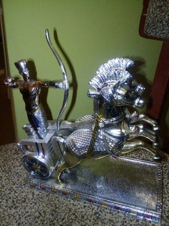 "Продам Коллекционную Статуэтку: ""Рамзес II на колеснице"". Тарелки."