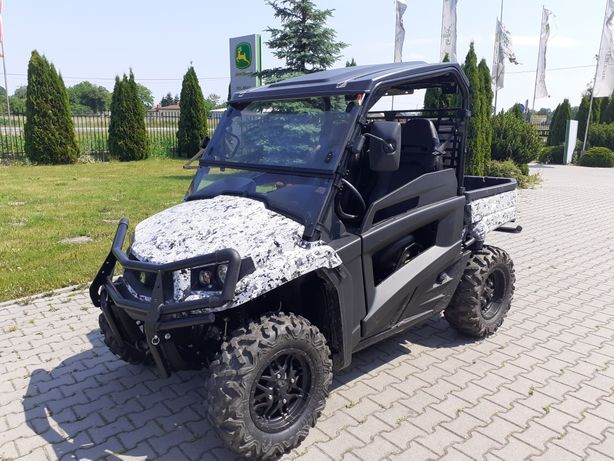 John Deere  Gator XUV590M Polaris Can-Am