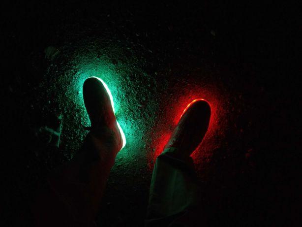 Кроссовки красные с подсветкой LED RGB.Вечеринка у тебя на ногах