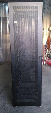 Bastidor IBM 42U