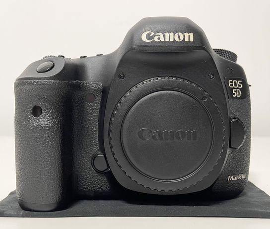 Canon EOS 5D Mark III (só 55k disparos)