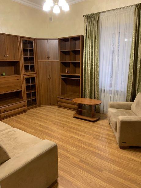 Продам двухкомнатную квартиру в идеальном состояниив. Центр.