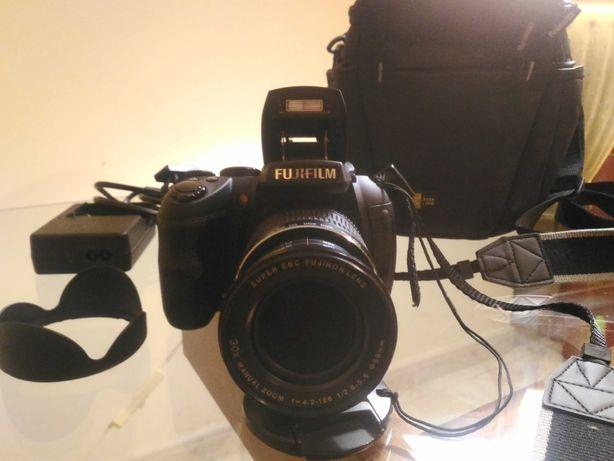 Fujifilm HS 30 EXR (zoom óptico 30x)
