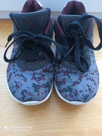 Кросівки розмір 31