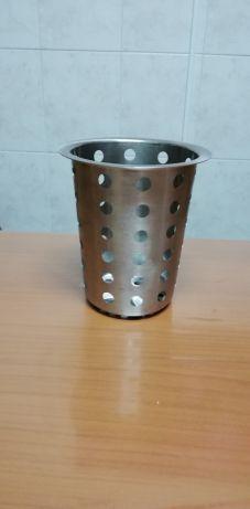 Copo inox com buracos, usado