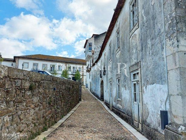 Casa do Arco - Imóvel histórico com muito potencial