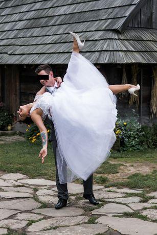 Suknia Ślubna Śnieżno-biała Gorset
