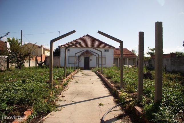 Moradia T5+2 em Caldas da Rainha, com 3.000 m2 de terreno