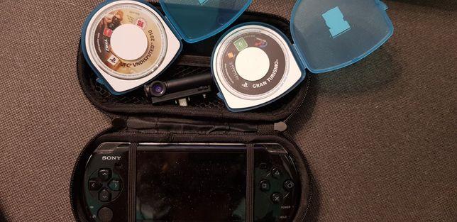 PSP + etui + kamerka + 14 gier