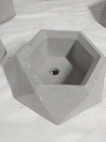 Горшки из бетона для суккулентов