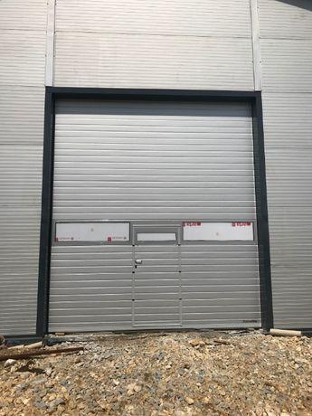 Brama segmentowa przemysłowa i garazowa.