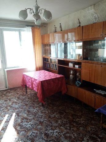 Продам ( обменяю) квартиру в р-не 3й поликлиники.