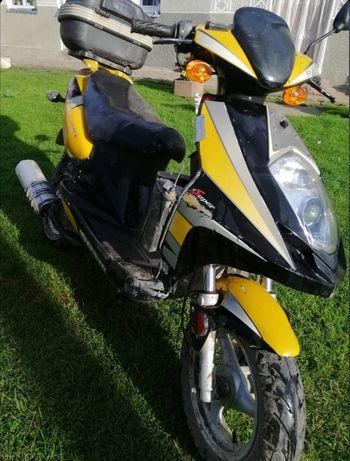 Продаю скутер, в хорошому стані