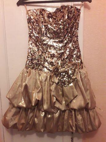 Золотое нарядное платье с пайетками
