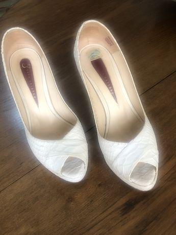 Sapatos Sara Navarro