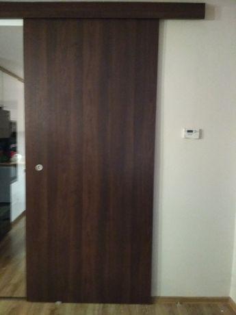 Drzwi przesuwne+prowadnica+maskownica
