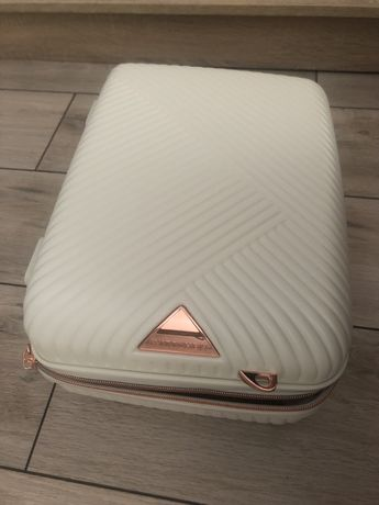 Kuferek podróżny Witthen walizka biała