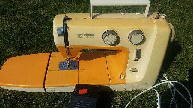 sprzedam maszyne do szycia privileg Portable star 2000