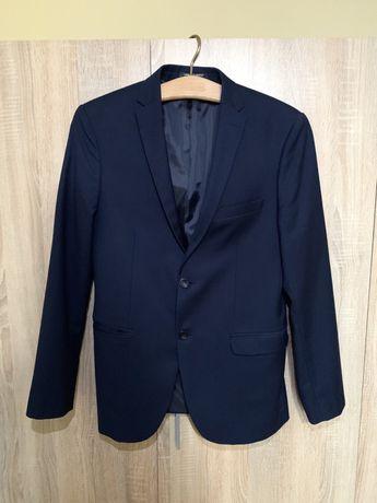 Классический мужской костюм для свадьбы, выпускного