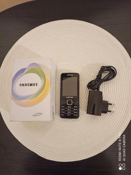 Sprzedam telefon Samsung GT-S5611 stan bardzo dobry polecam ..